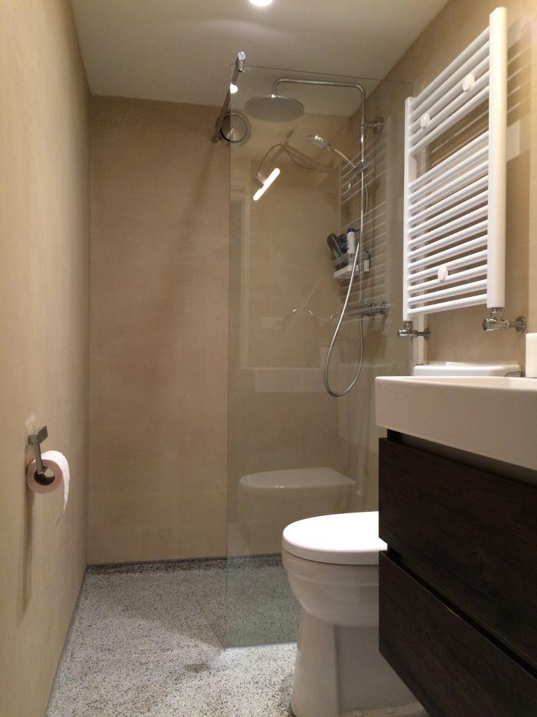beton cir badkamer in amsterdam beton cir centrum. Black Bedroom Furniture Sets. Home Design Ideas
